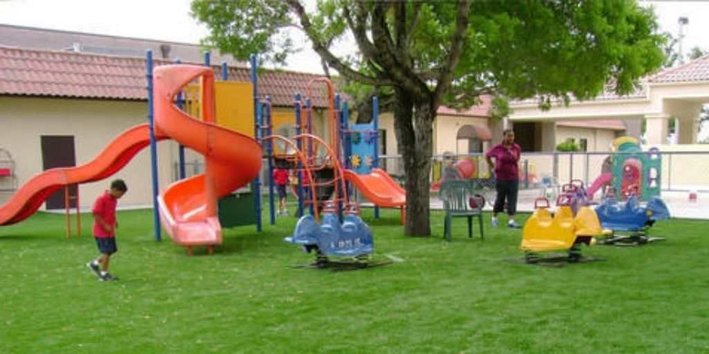Kids-play-area-amenities-akanksha-sugee-group-dadar-west-mumbai-maharashtra